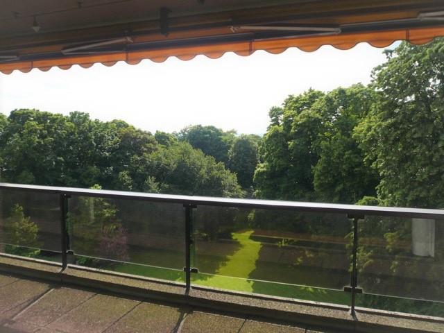 ce à l'Observatoire,dans l'exceptionnel parc de 7 hectares  Le Cherridreux ,magnifique appartement e
