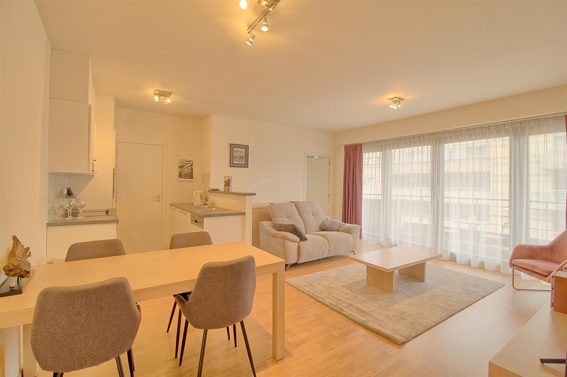 Appartement - Ixelles - #4207413-0