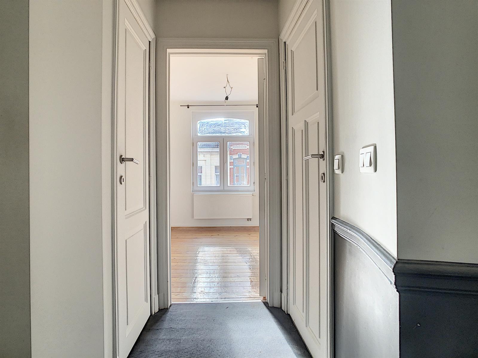 Appartement - Schaerbeek - #4289658-9
