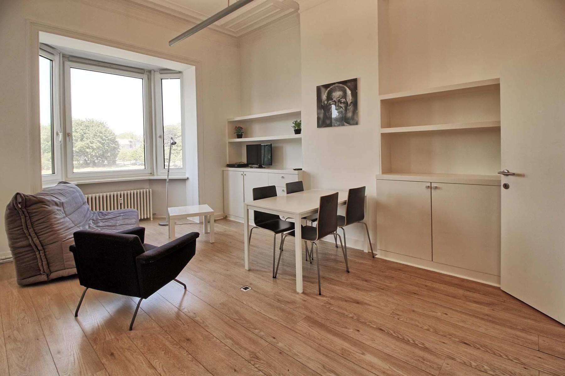 Appartementsgebouw - Schaerbeek - #4418768-3