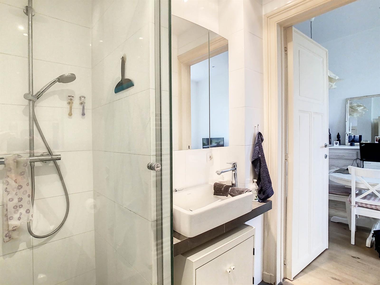 Appartement - Schaerbeek - #4500819-9