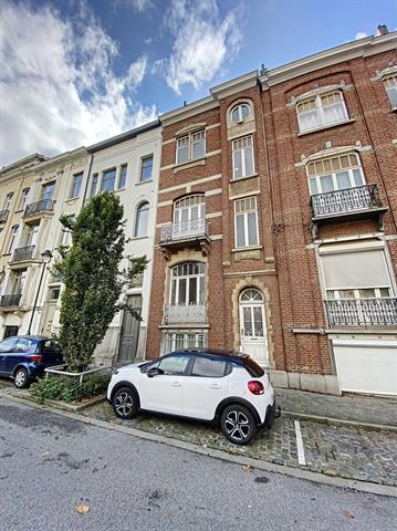 Morgan's Real Estate vous présente cet immeuble composé de 4 unités