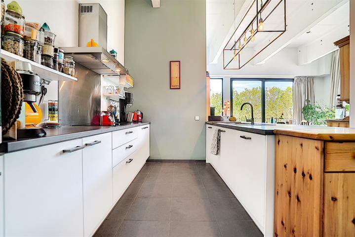 Morgan's Real Estate vous présente ce superbe loft de 96 m² habitable (107 m² PEB) dans une construction (Rénovation complète) de 2014