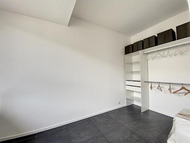 Morgan's Real Estate vous présente ce superbe appartement rénové avec goût (1er Occupation après travaux)
