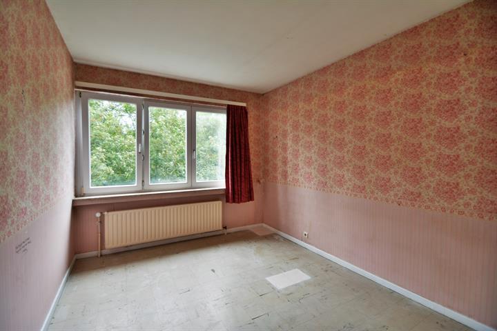 OPTION !! VISISTES SUSPENDUES !! MORGAN'S REAL ESTATE vous présente cet appartement 3 chambres idéalement situé à Anderlecht (proximité commerces, transports et écoles, parc Joseph Lemaire)