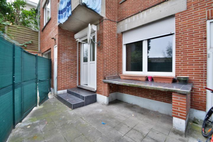 MORGAN'S REAL ESTATE vous propose un appartement une chambre à rénover idéalement situé à Laeken ( proximité RING, transports, commerces et écoles)