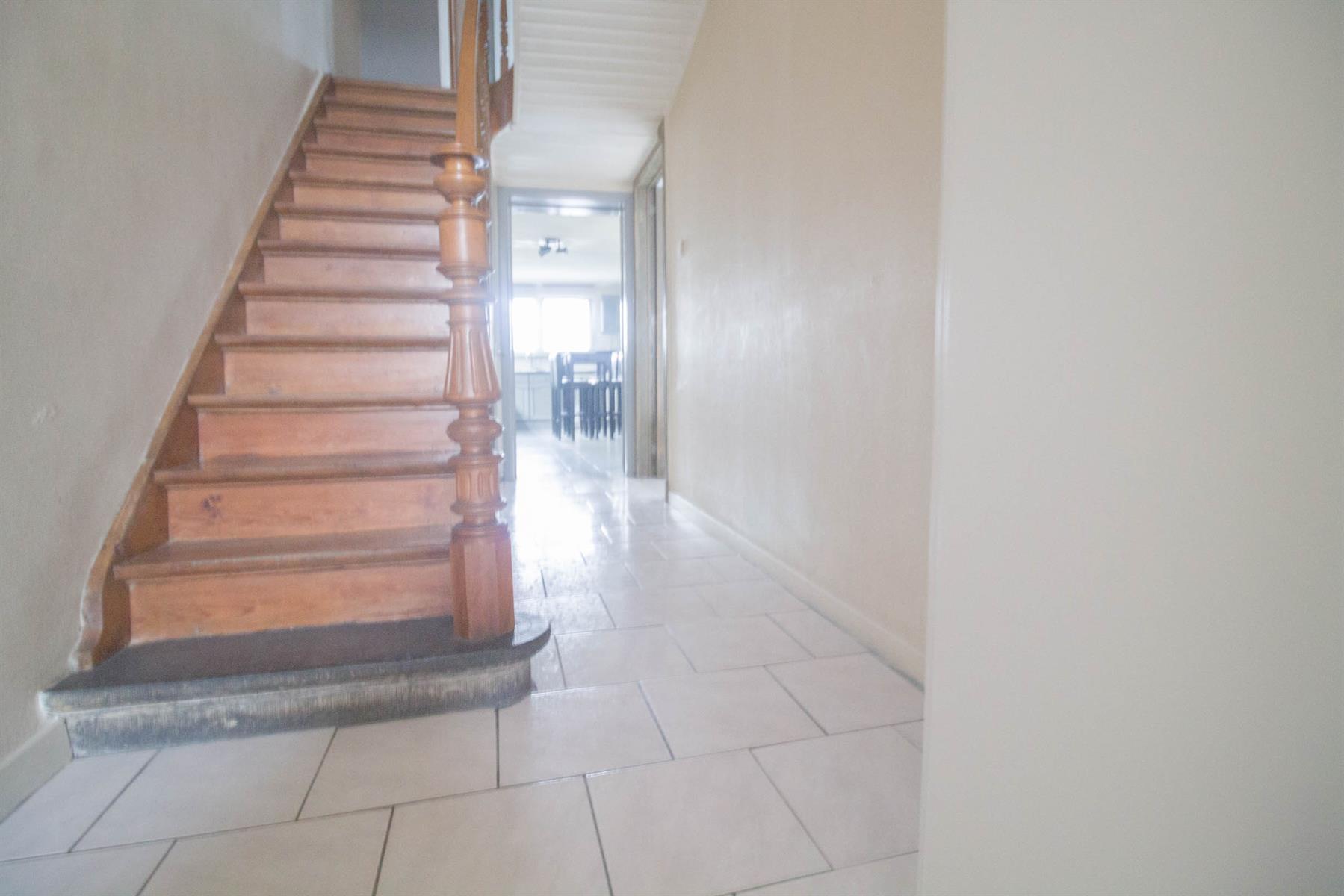 Maison - Châtelineau - #3978398-3