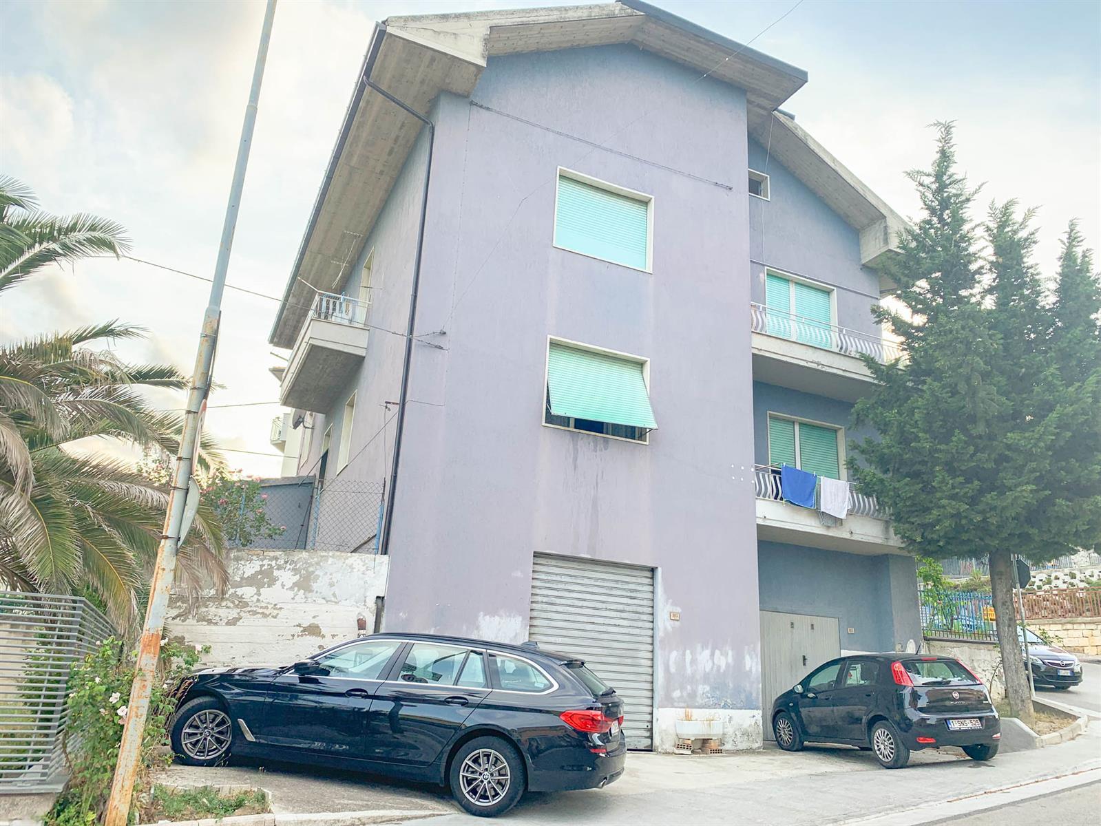 Immeuble à appartements - Ascoli Piceno - #3994126-0