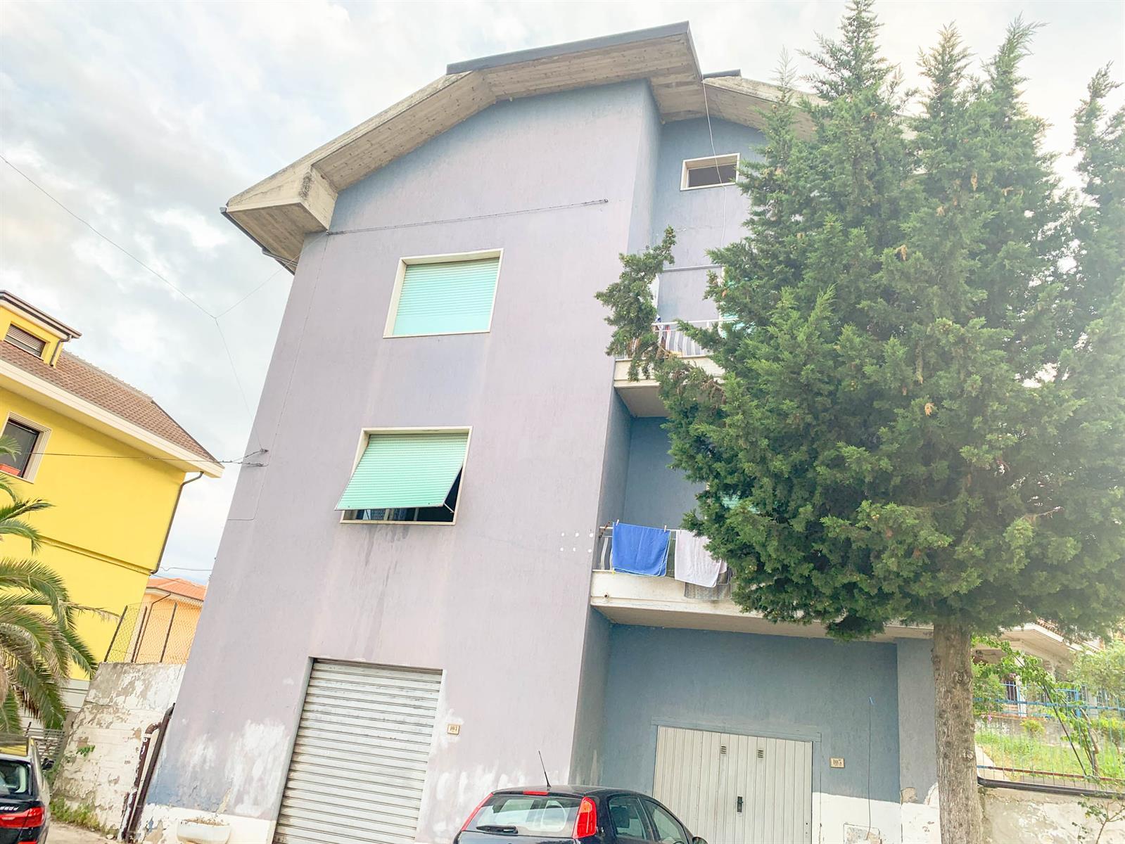 Immeuble à appartements - Ascoli Piceno - #3994126-1