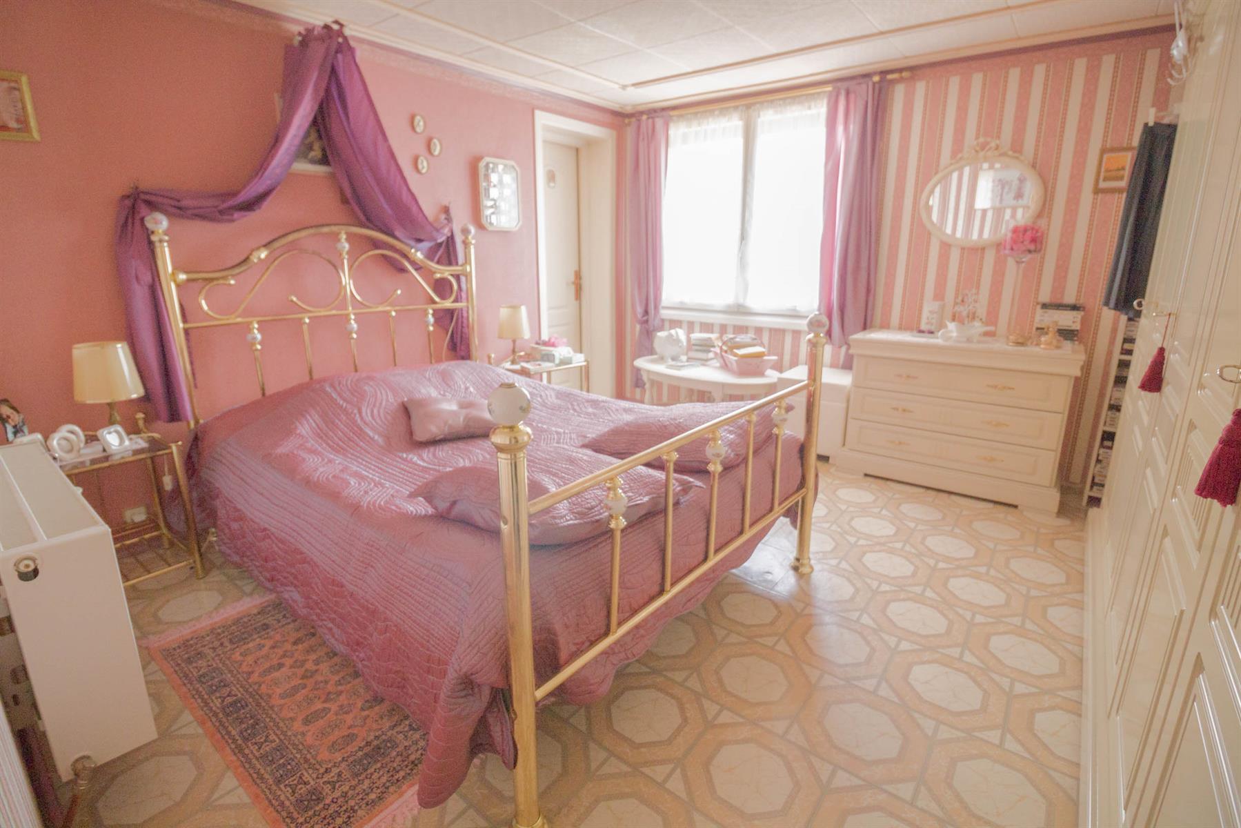 Villa - Mons - #4104222-21