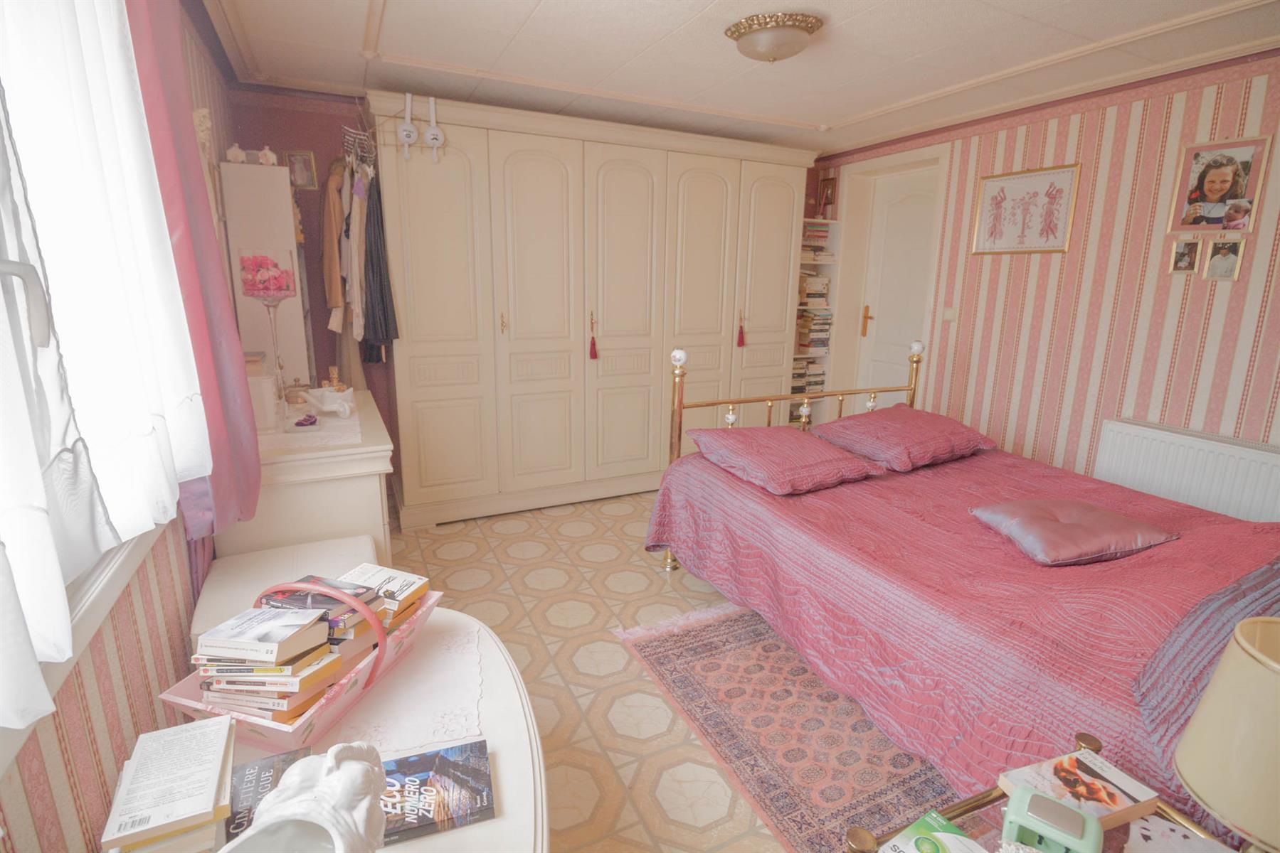 Villa - Mons - #4104222-20