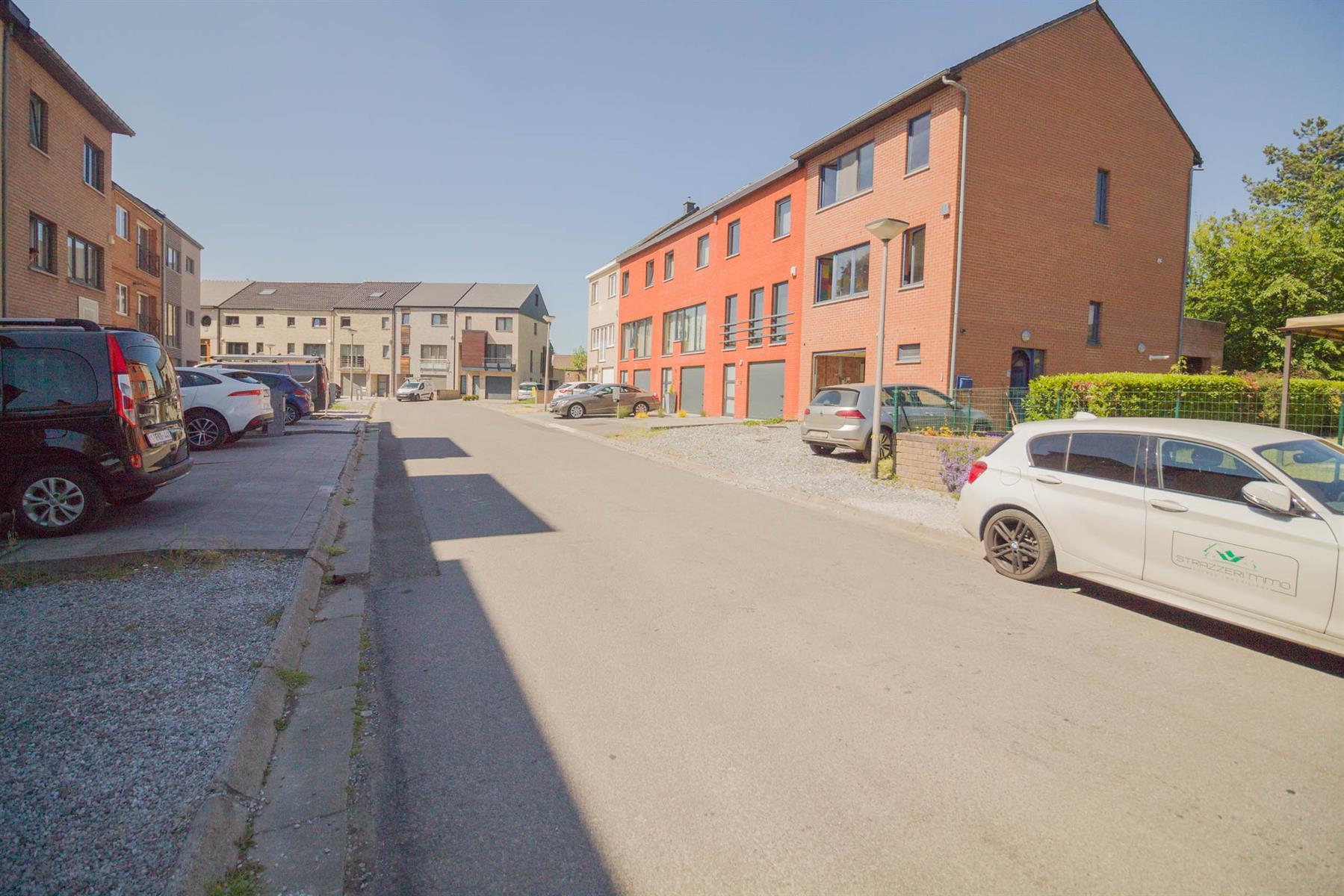 Bel-étage - Mont-sur-Marchienne - #4116365-28