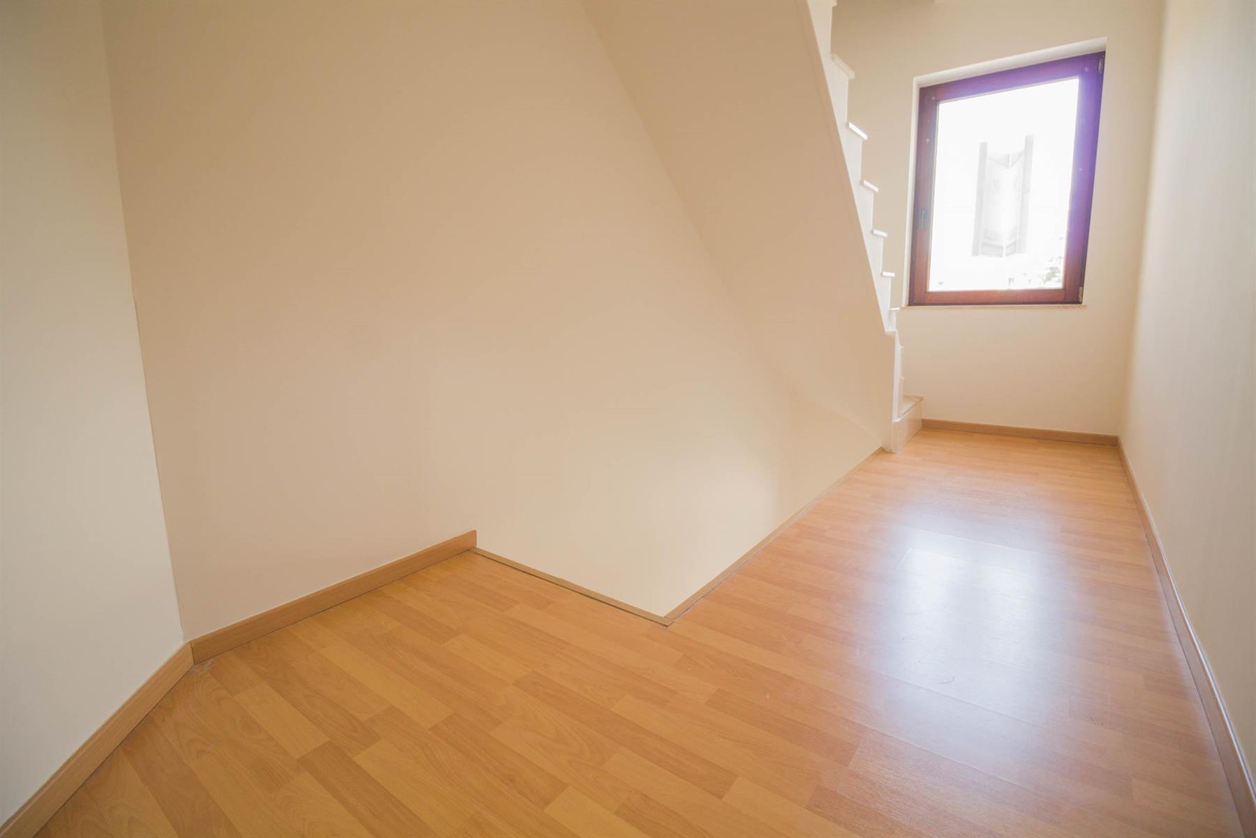 Bel-étage - Mont-sur-Marchienne - #4116365-15