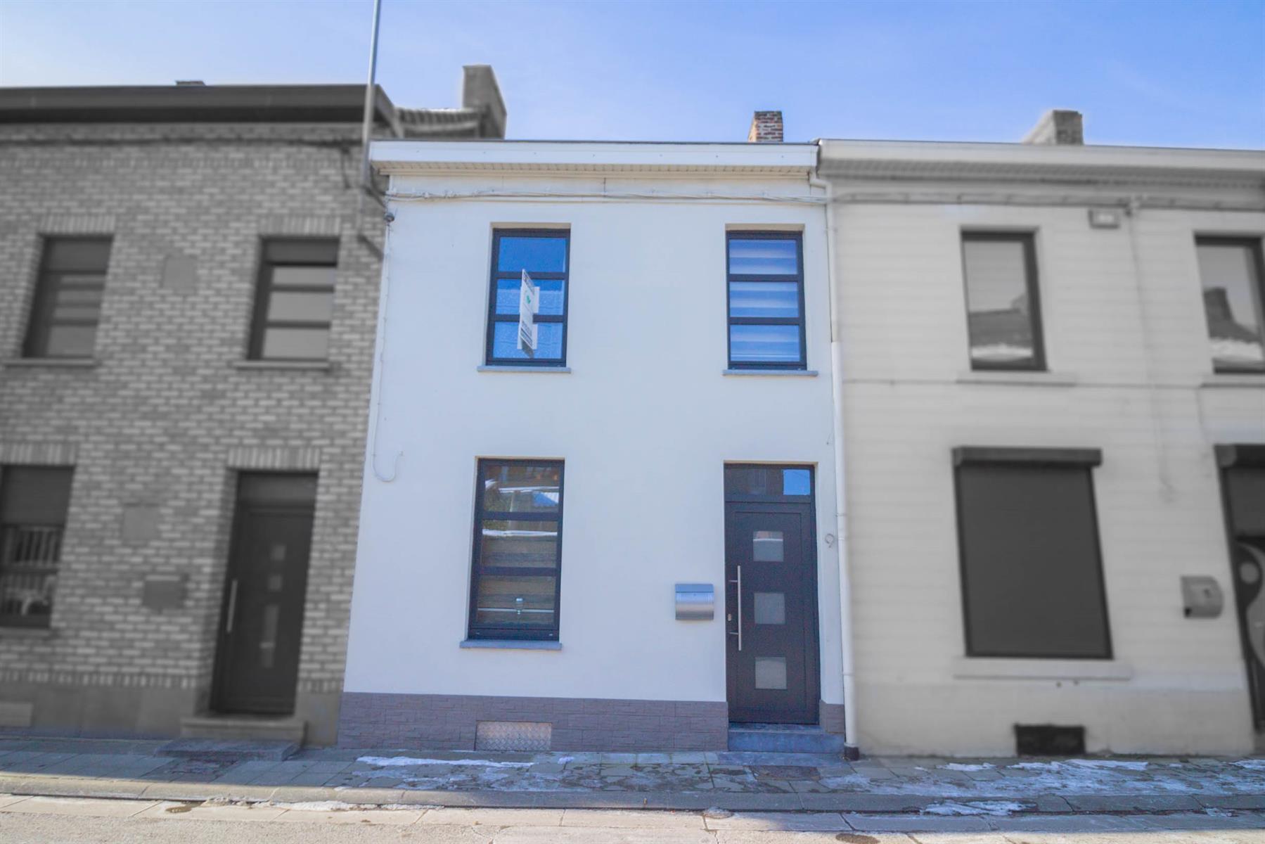 Maison - Forchies-la-Marche - #4281421-0