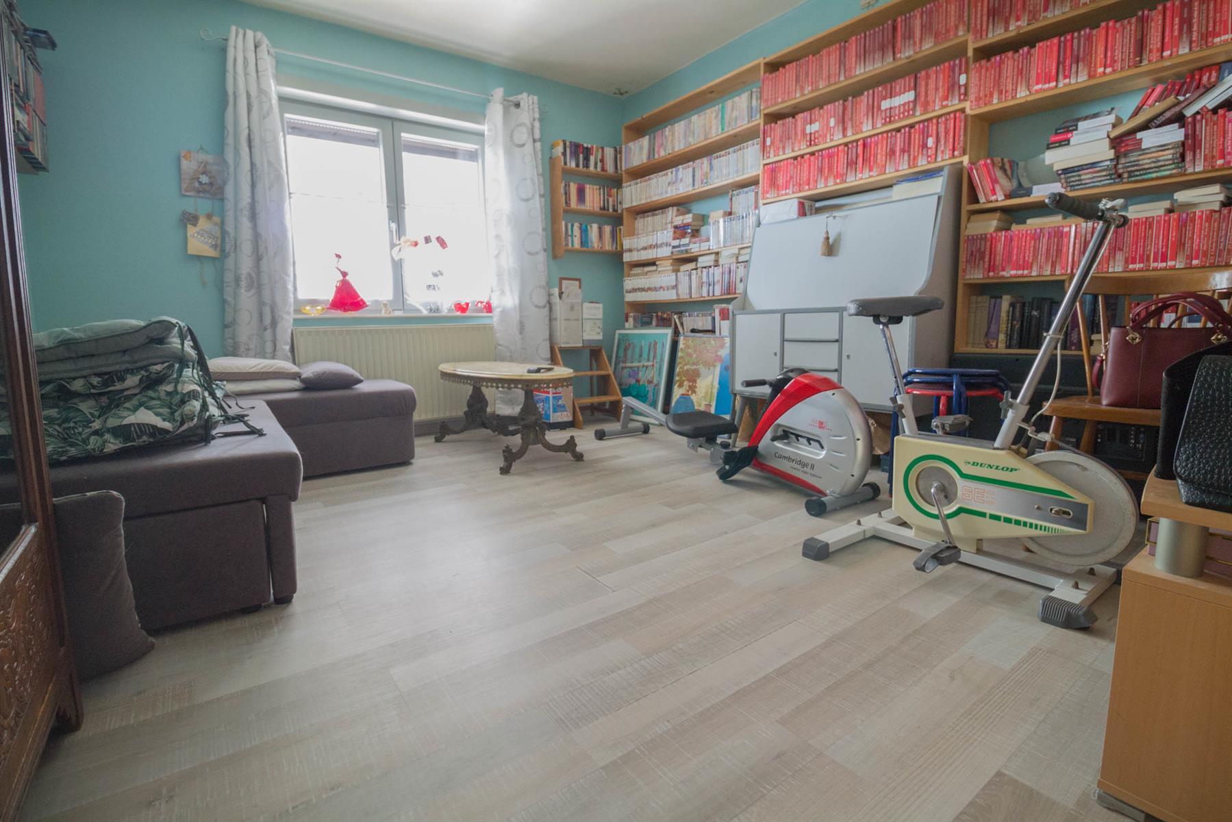 Villa - Courcelles - #4281704-20