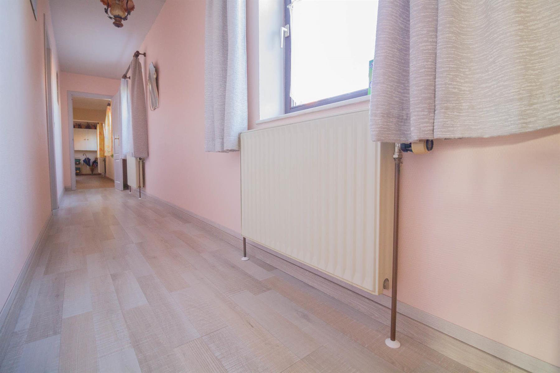 Villa - Courcelles - #4281704-16