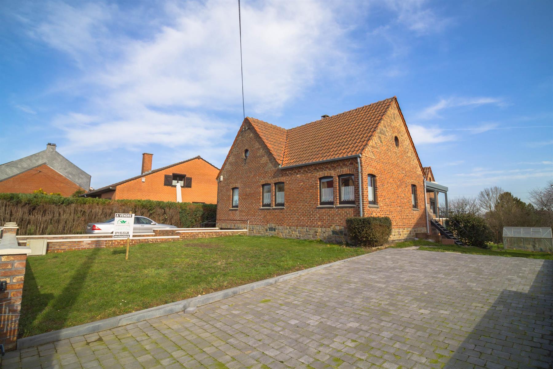 Villa - Courcelles - #4281704-30