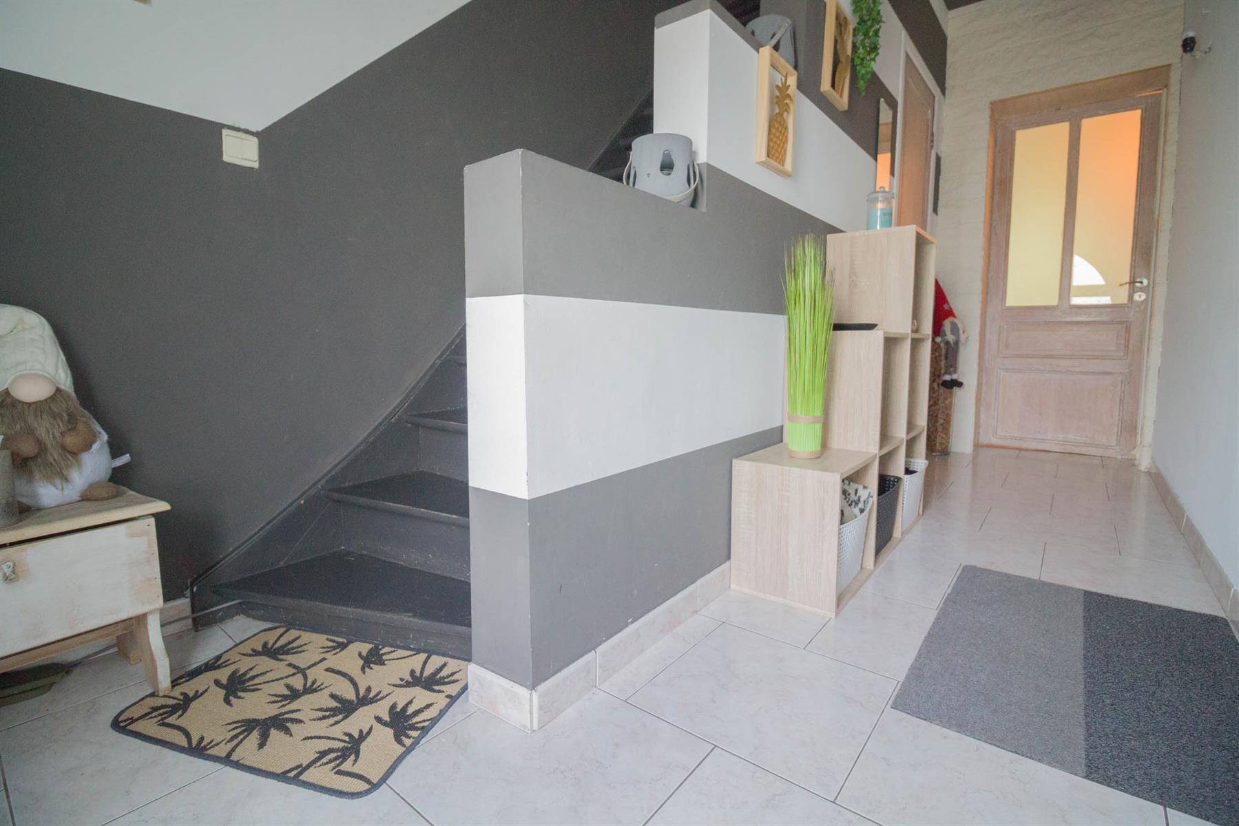 Maison - Forchies-la-Marche - #4381660-3