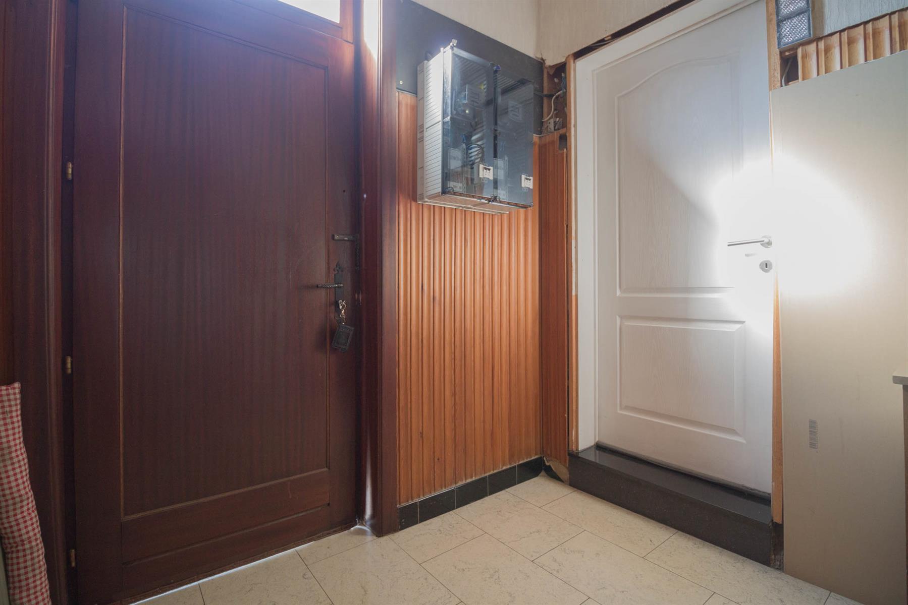 Immeuble à appartements - Forchies-la-Marche - #4397246-1