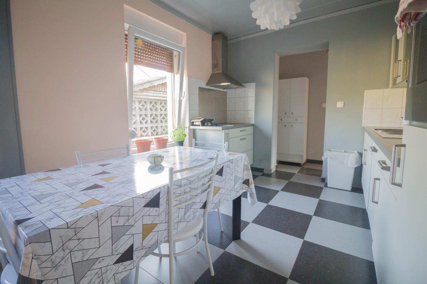 Immeuble à appartements - Forchies-la-Marche - #4397246-5