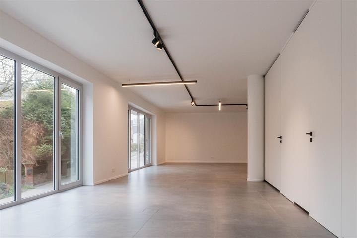 SWITCH REAL ESTATE Plateau de bureaux en duplex