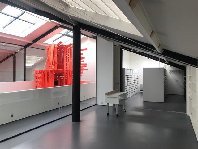 SWITCH REAL ESTATE Bureau Contemporain d'Exception