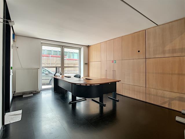 SWITCH REAL ESTATE Immeuble de Bureaux - Union Européenne