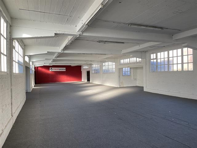 SWITCH REAL ESTATE Retail Surface commerciale Uccle 1200m2