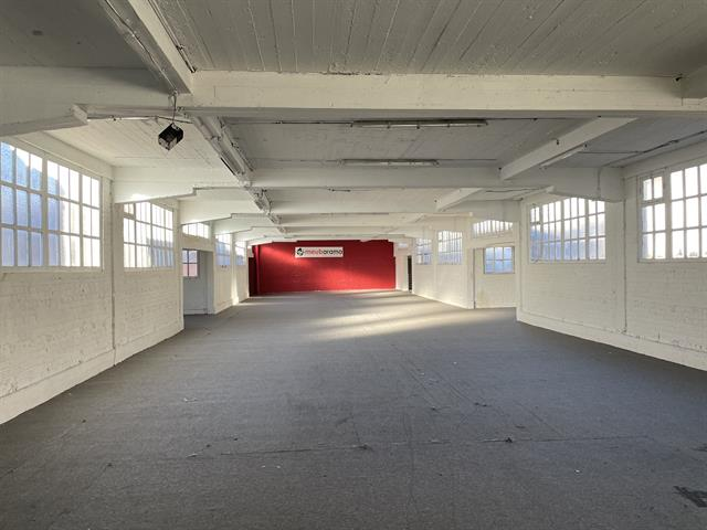 SWITCH REAL ESTATE Surface commerciale Uccle 1250m2