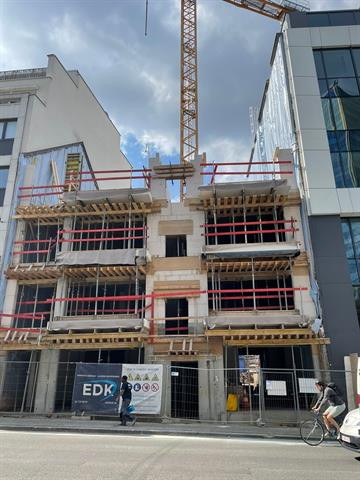 SWITCH REAL ESTATE Surface Commerciale - Quartier Louise
