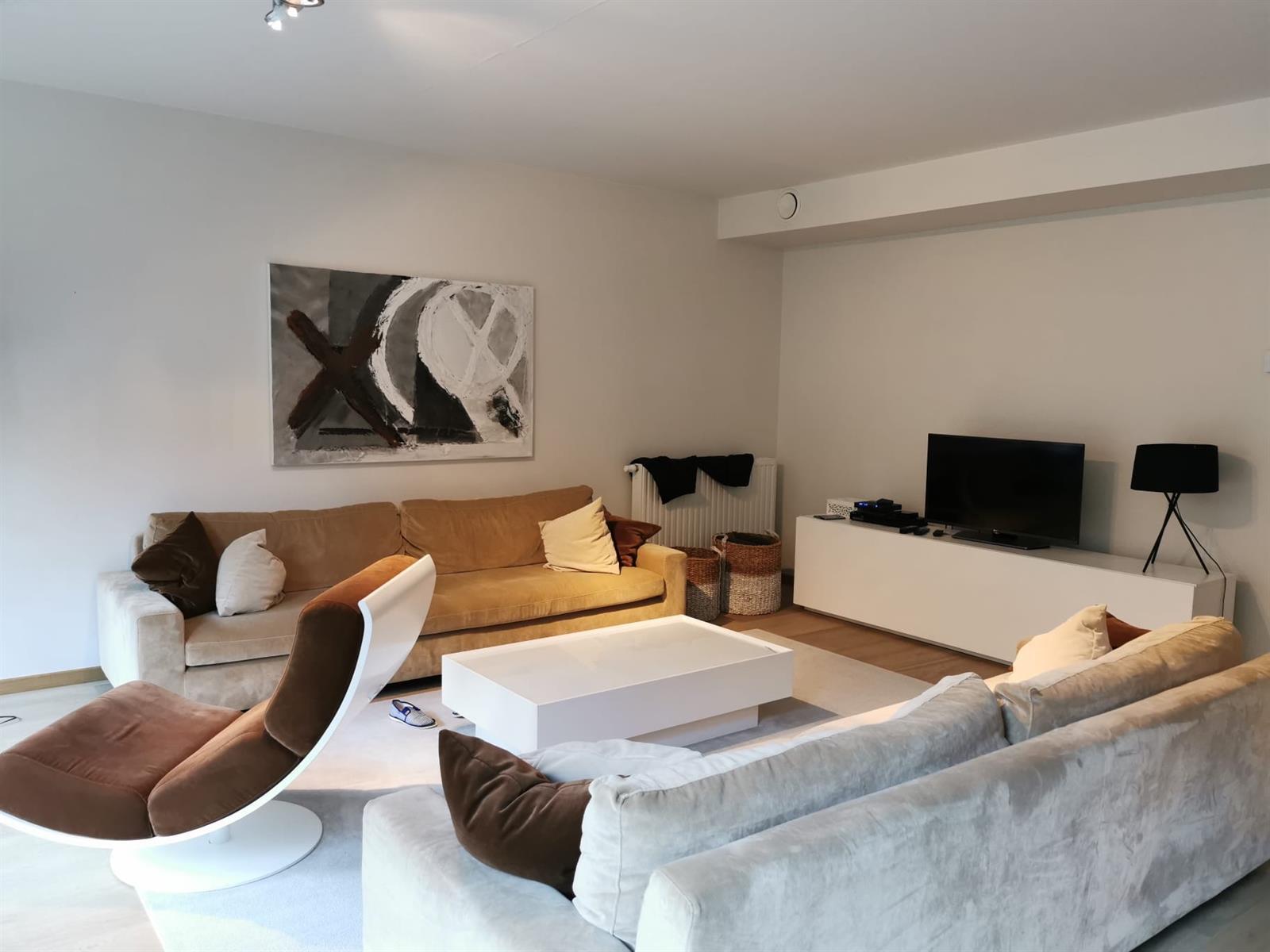 Appartement - Etterbeek - #3955187-0