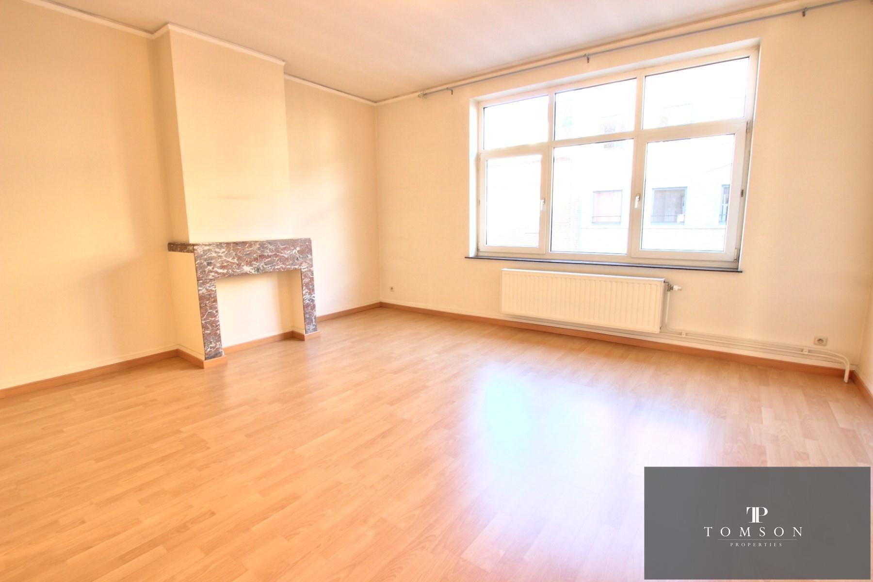 Appartement - Etterbeek - #4130587-0