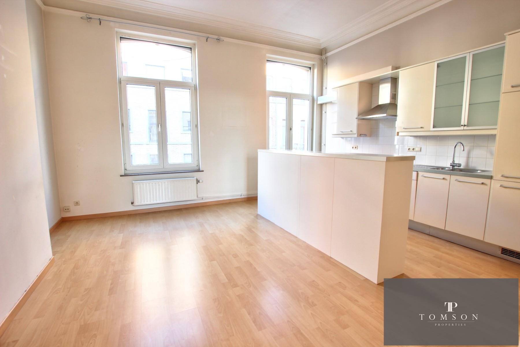Flat - Etterbeek - #4130587-1