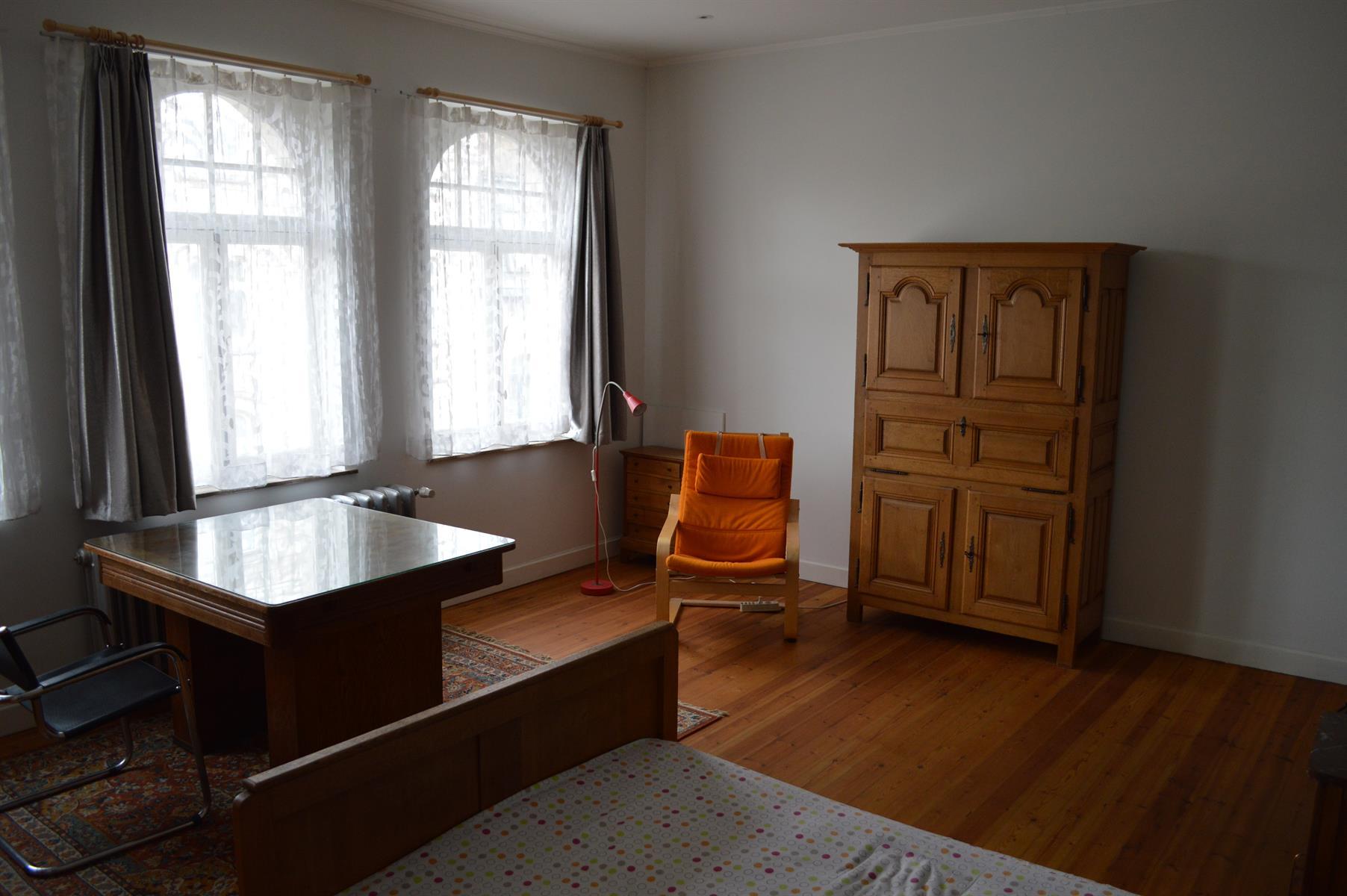 Huis - Etterbeek - #4140333-19