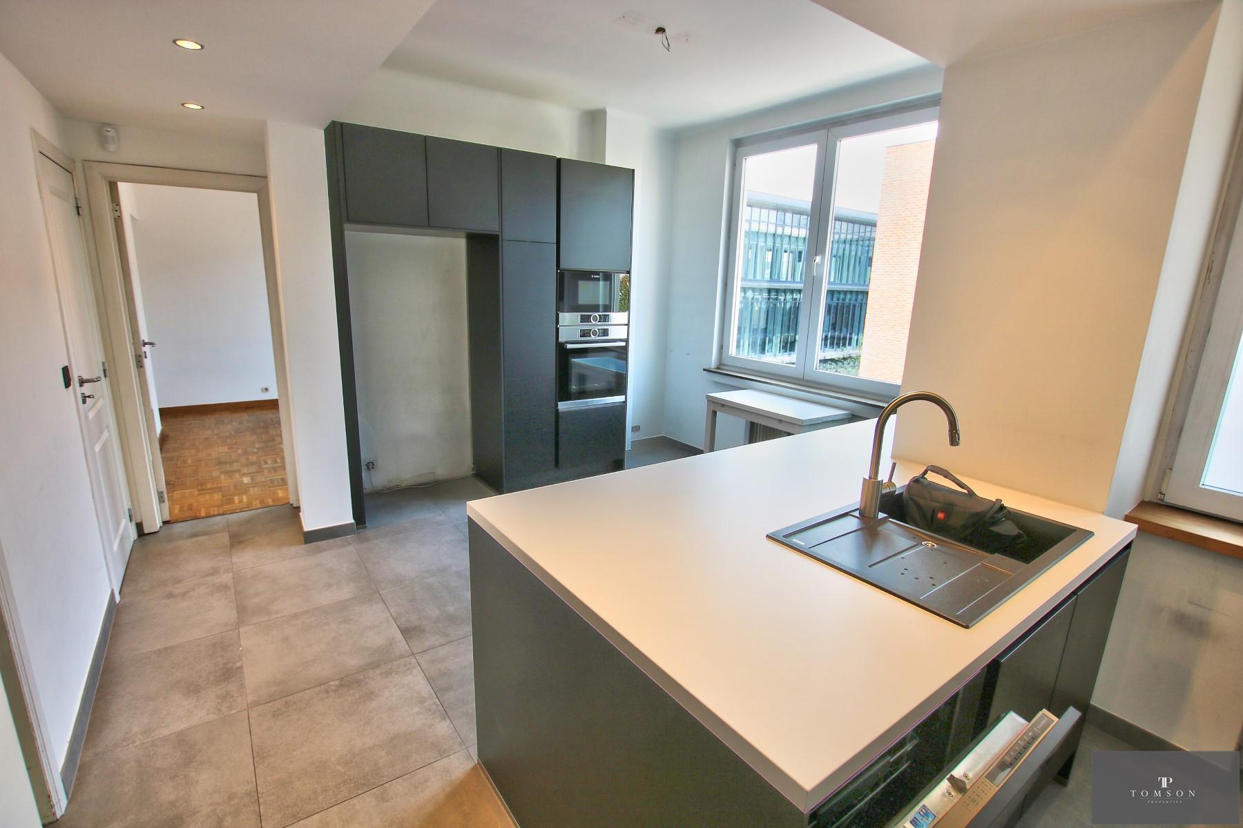 Appartement - Etterbeek - #4154759-4
