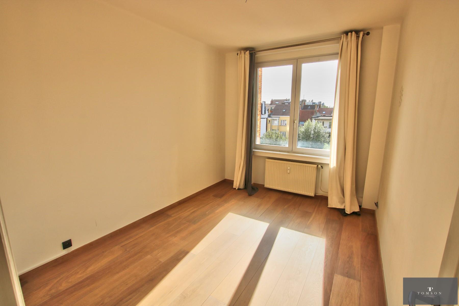 Flat - Etterbeek - #4154759-9