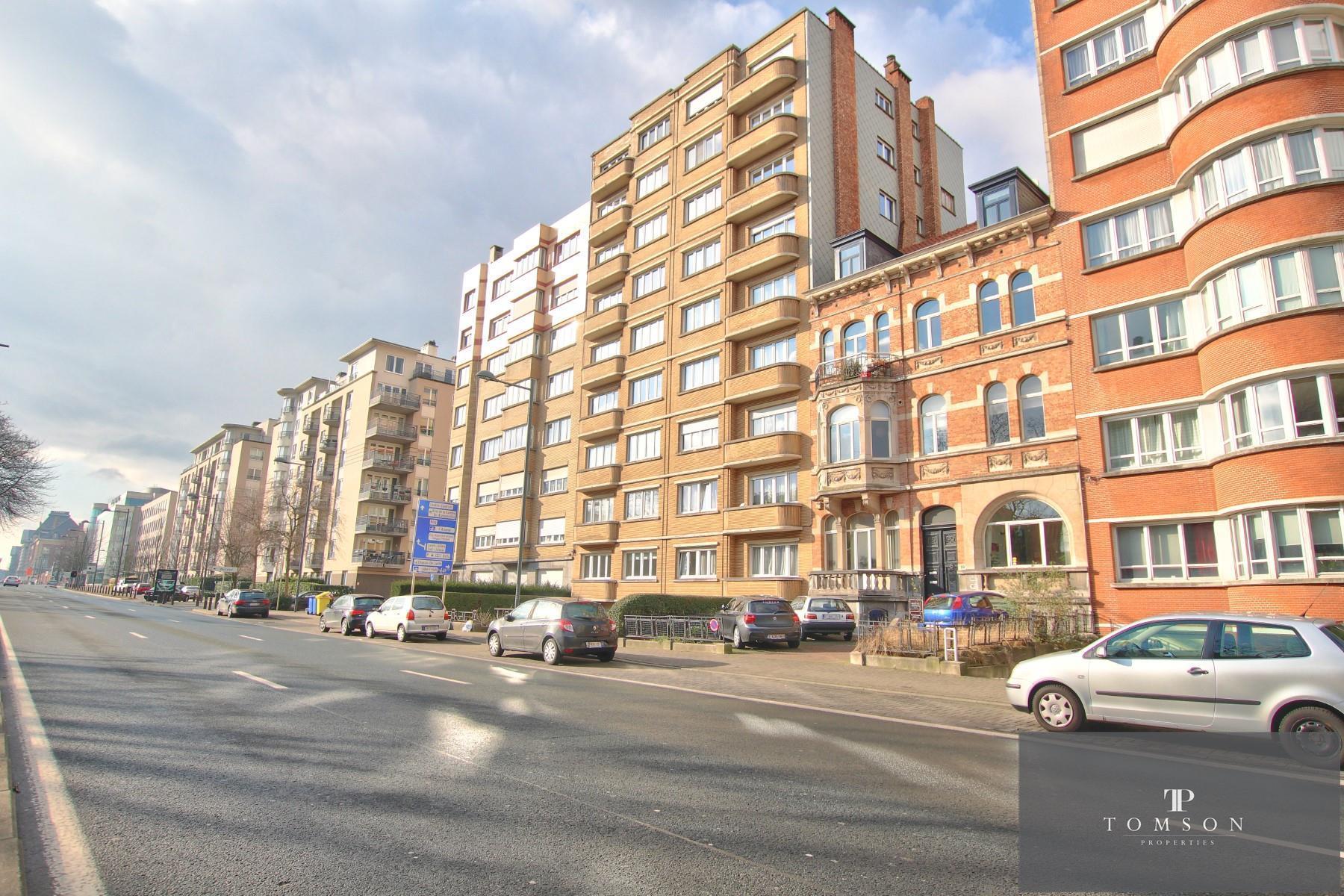 Appartement - Etterbeek - #4211058-8