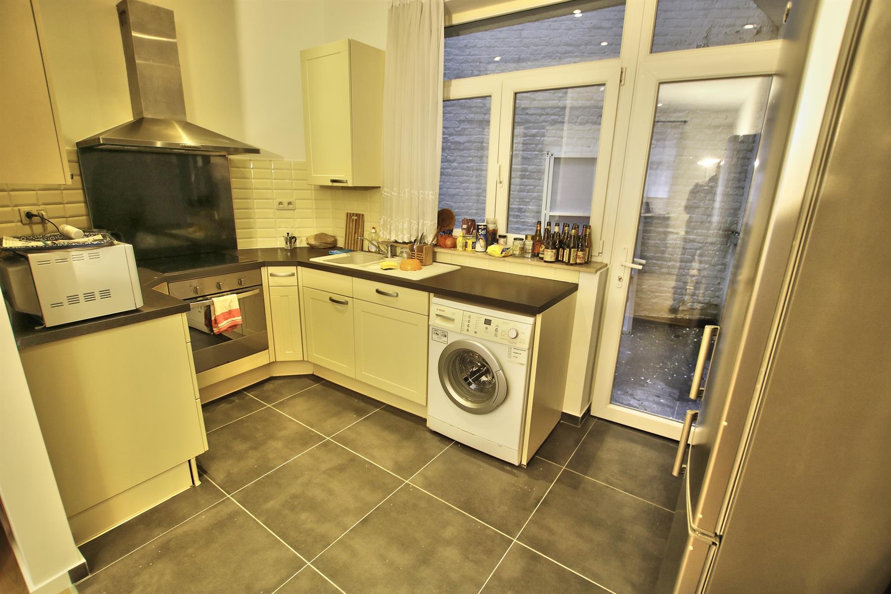Appartement - Etterbeek - #4246732-1