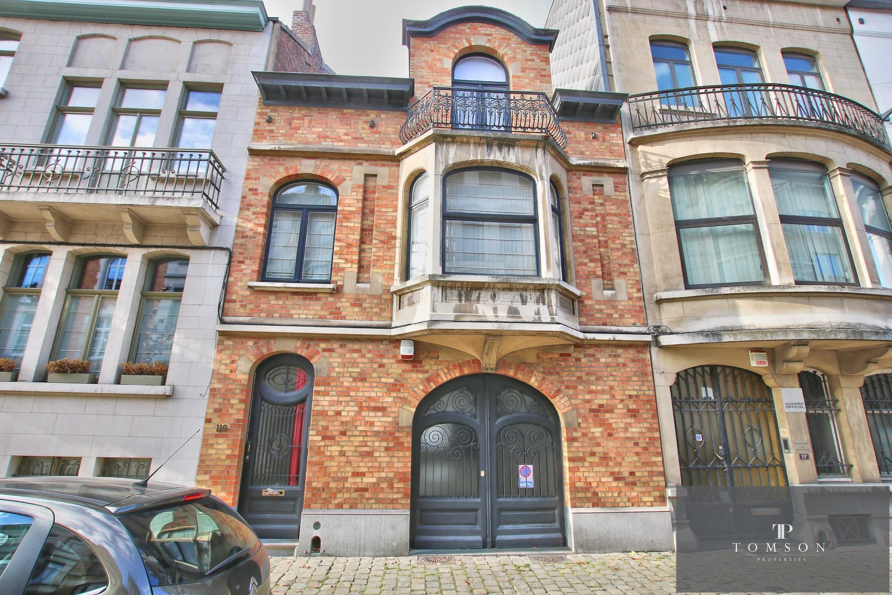 House - Etterbeek - #4246787-1