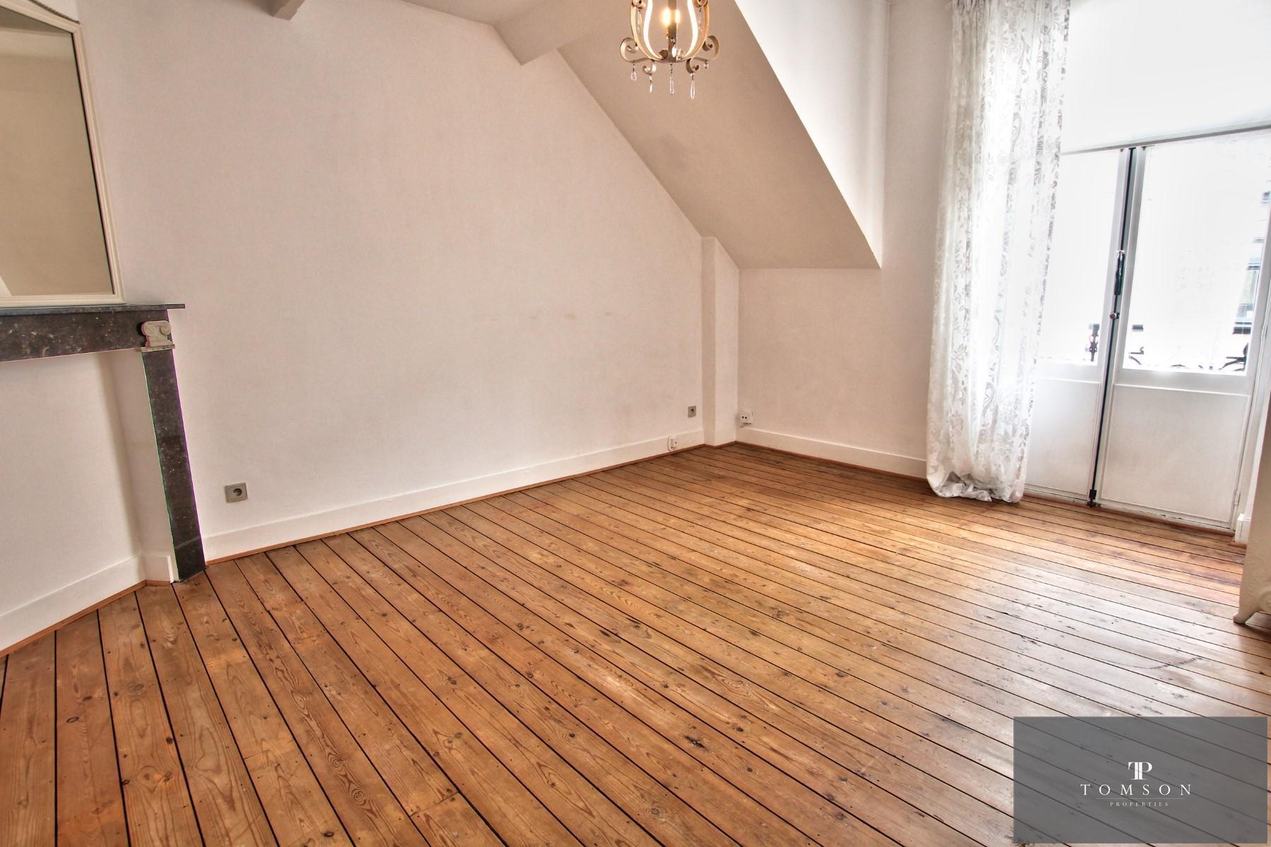 House - Etterbeek - #4246787-8