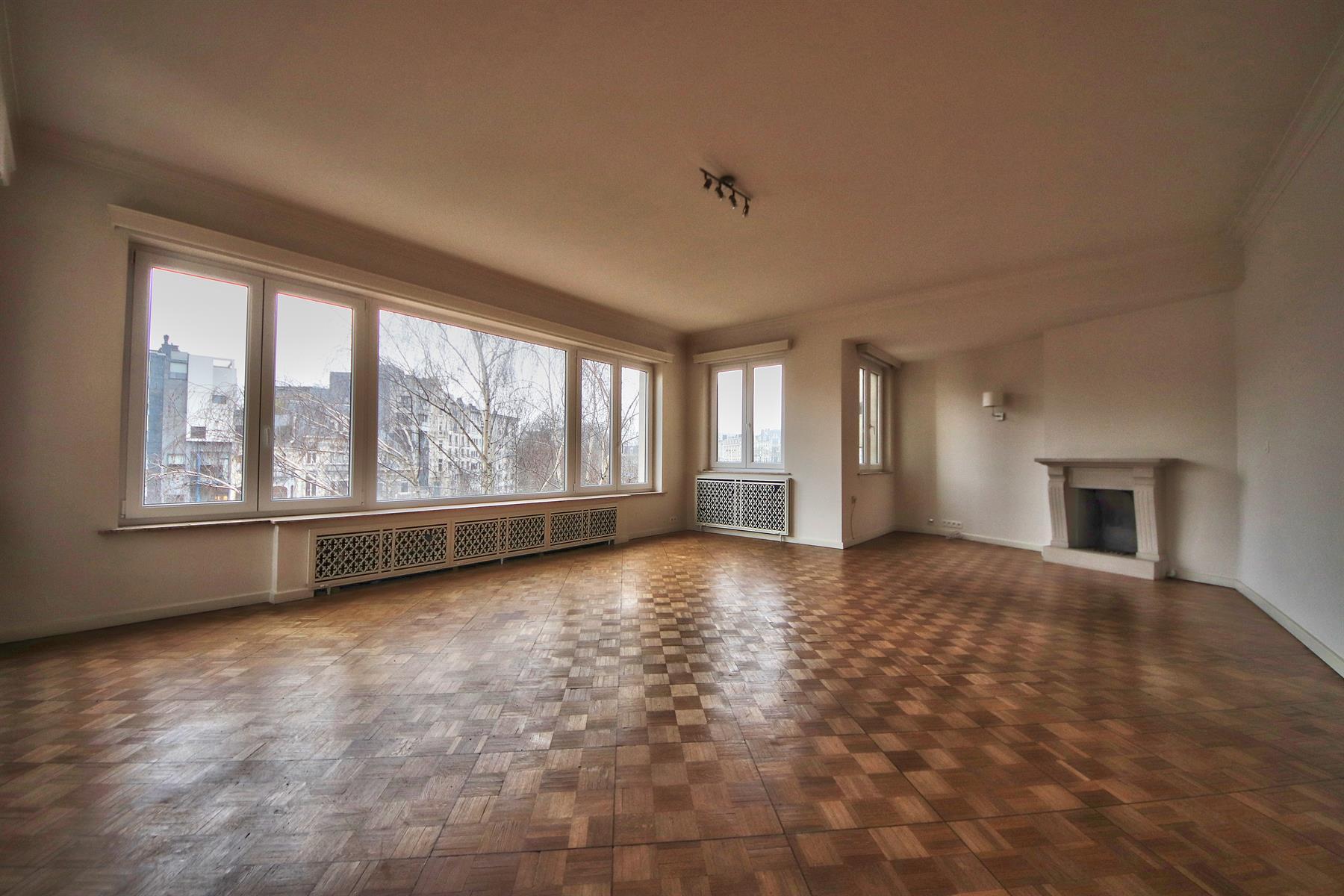 Appartement - Woluwe-Saint-Pierre - #4256600-0