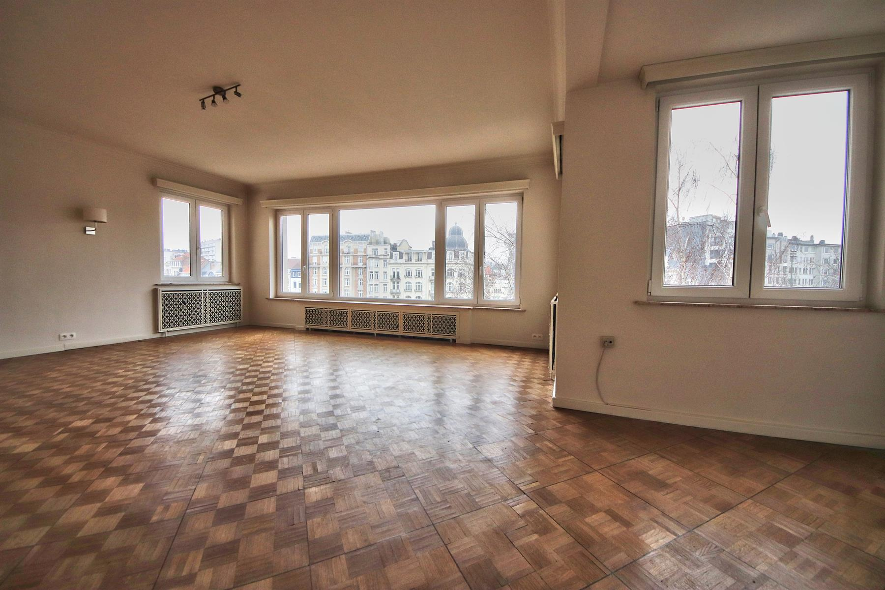 Appartement - Etterbeek - #4256824-1