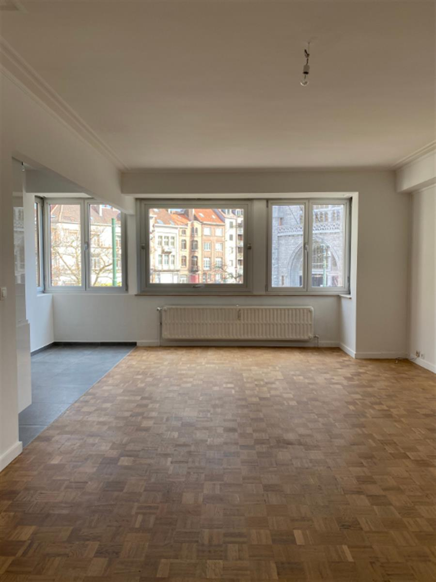 Appartement - Etterbeek - #4309218-0