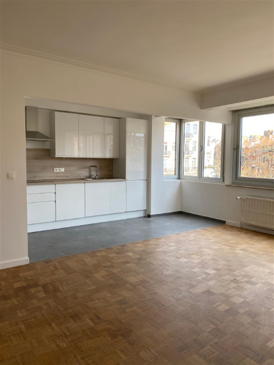 Appartement - Etterbeek - #4309218-1