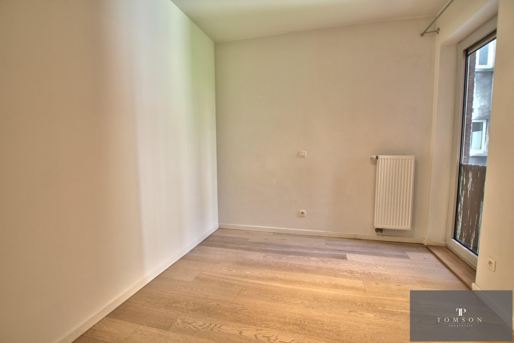 Flat - Schaerbeek - #4320084-4