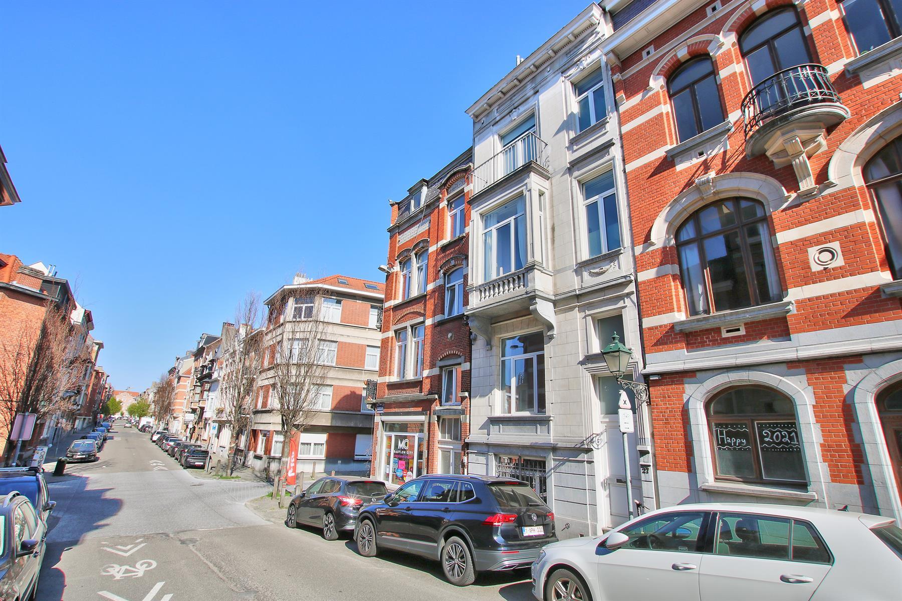Appartement - Etterbeek - #4344790-0