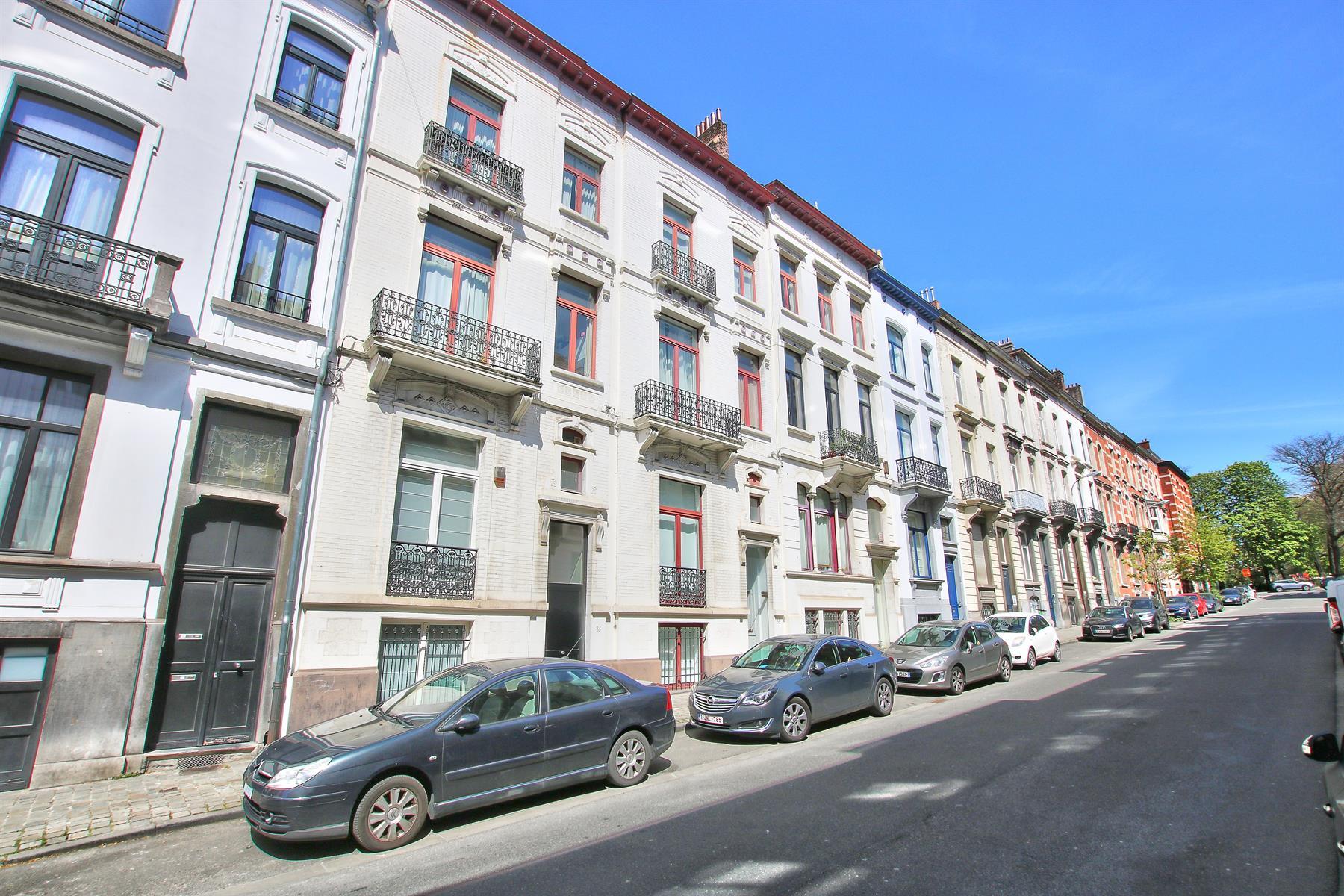 Appartement - Etterbeek - #4354811-12