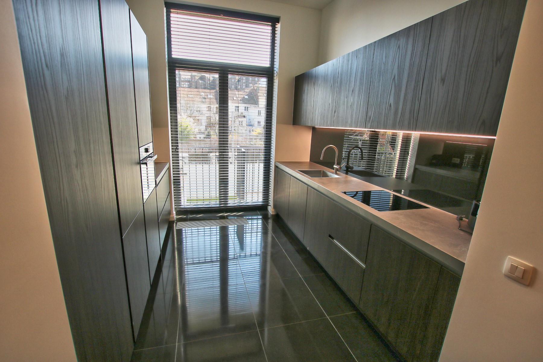 Uitzonderlijk appartement - Etterbeek - #4356043-3