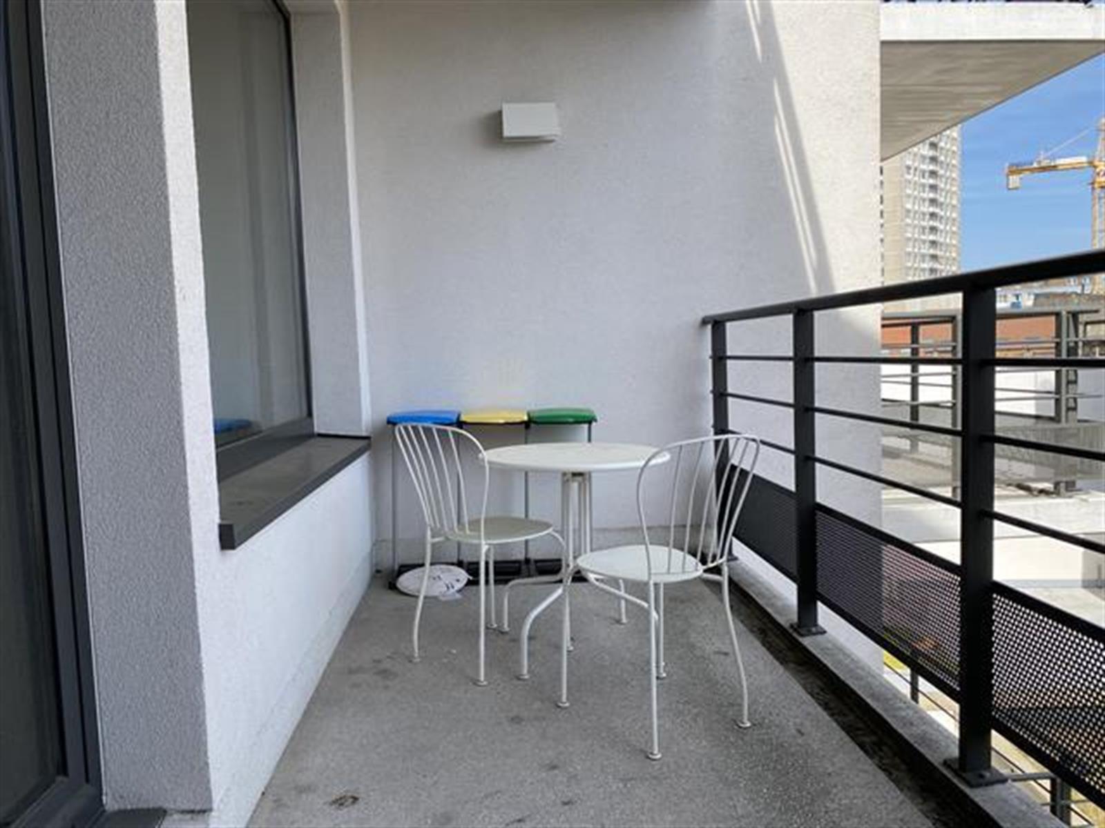 Appartement - Etterbeek - #4389101-0