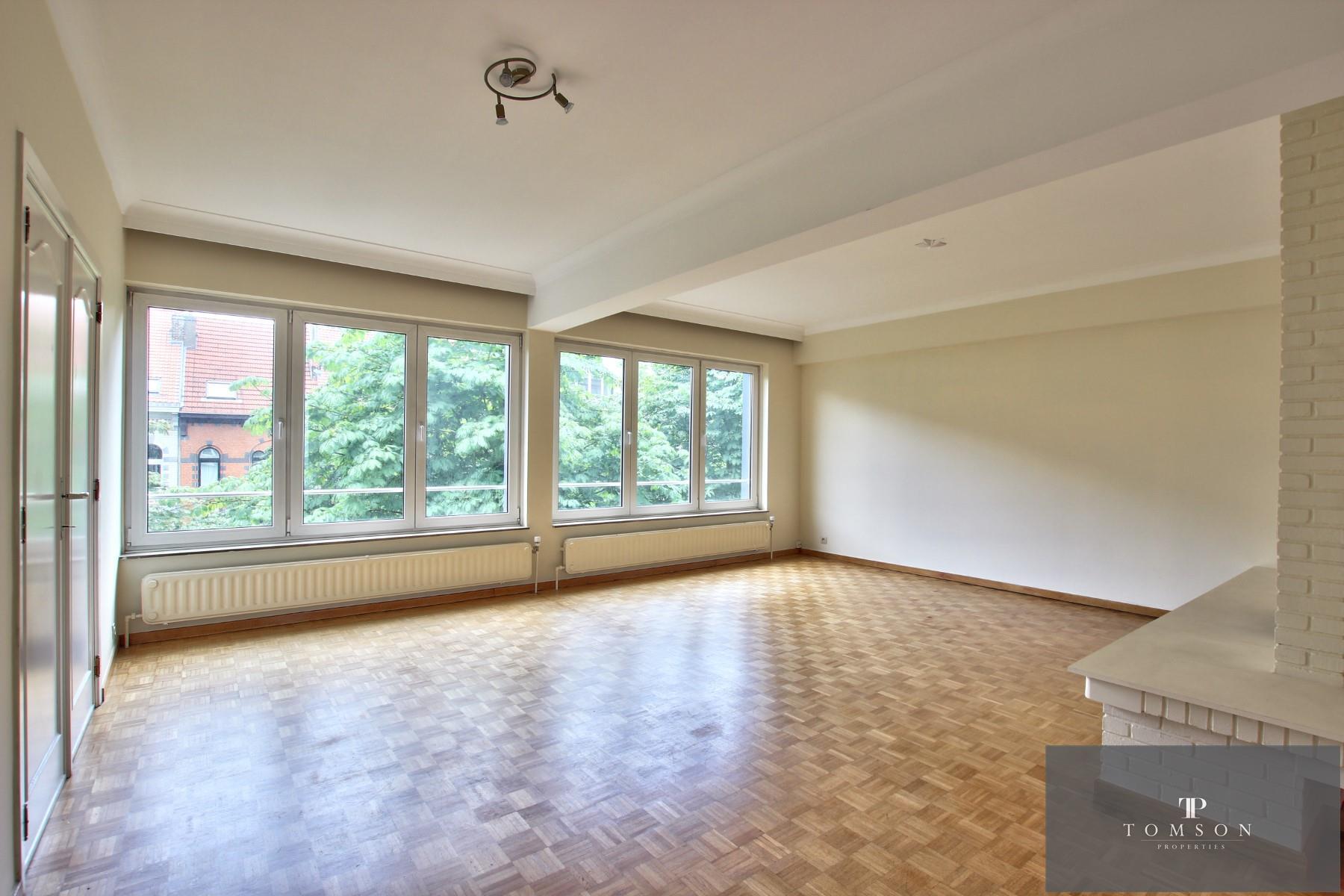 Flat - Etterbeek - #4496041-1
